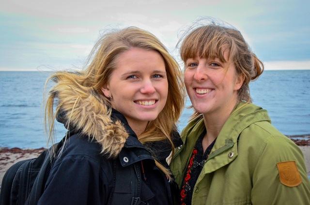 Bild på Caroline och Paulina.