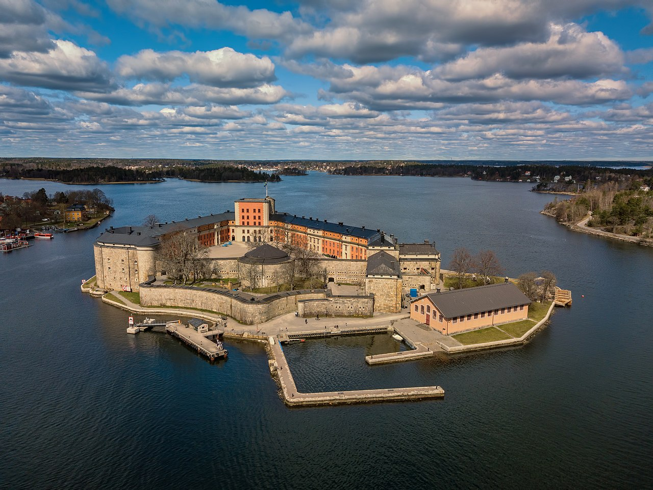 1280px-vaxholm_fortress2c_aerial_view